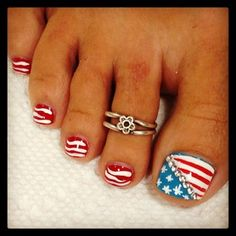 Red White and Blue Toe Nails perfect for Country Summer! Get Nails, Fancy Nails, Love Nails, Hair And Nails, Pedicure Designs, Toe Nail Designs, Blue Toe Nails, White Nails, 4th Of July Nails