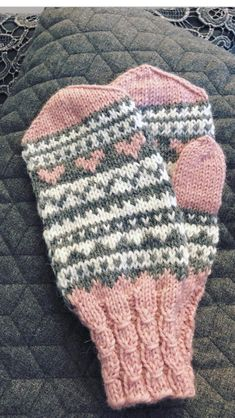 Lapaset - Her Crochet Fair Isle Knitting, Free Knitting, Baby Knitting, Kids Knitting Patterns, Knitting Projects, Knit Mittens, Knitted Gloves, Knitting Accessories, Knit Crochet