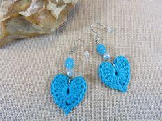 Boucles d'oreilles au crochet, coeur au crochet, boucles coton bleu, bijoux textile, boucles d'oreille coeur, bijoux perles, coeur bleu de la boutique ArtKen6L sur Etsy