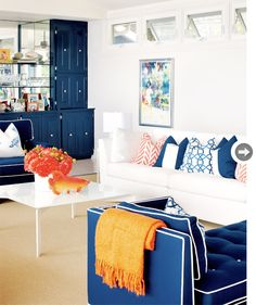 Colorful living room from Mix and Chic! #laylagrayce #living