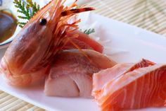 Solo Sushi Bekkan: The Sashimi Starter is a daily assortment of the freshest fish currently available. Sweet shrimp, salmon, sea bass and maguro tuna