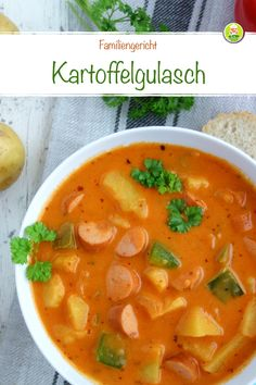 Potato goulash with Viennese sausages, family stew - Mei .- Kartoffelgulasch mit Wiener Würstchen, Familieneintopf – Meine Stube Recipe for potato goulash with Viennese sausages and vegetables - Easy Smoothie Recipes, Homemade Baby Foods, Food Blogs, Potato Recipes, Healthy Snacks, Sausage, Dinner Recipes, Snack Recipes, Food And Drink