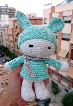 #amigurumi conejo azul