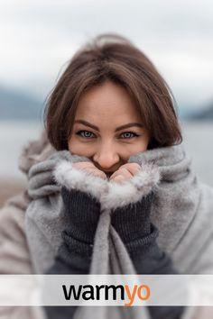 Mia Khalifa News Photos Of Eyes, Photos Of Women, Celebrity Updates, Warm Outfits, Cold Day, Gray Jacket, Girls Eyes, Beautiful Eyes, Free Stock Photos