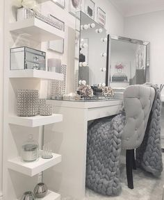inspiring beautiful teen room decorations for the unforgettable feel of y. inspiring beautiful teen room decorations for the unforgettable feel of your dream room Cute Room Decor, Teen Room Decor, Room Ideas Bedroom, Teen Room Furniture, Deco Furniture, Kids Bedroom, Furniture Design, Wall Decor, Makeup Room Decor