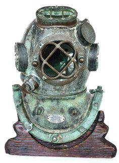 Land And Sea Collection is the source for fine collector quality vintage dive helmets. Find Morse, Schrader and Miller-Dunn and more. Diving Helmet, Diving Suit, Diving Pool, Sea Diving, Underwater Welding, Oil Rig Jobs, Steampunk, Deep Sea Diver, Scuba Diving Equipment