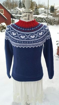 H hobbyside: Mariusgenser med hjerter, Marius-sweater with hear. Heart Sweater, Tapestry Crochet, Knitting Patterns, Dress Up, Bell Sleeve Top, Sarees, Costumes, Embroidery, Clothes For Women