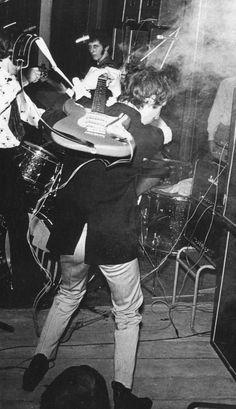 Pete Townshend, 1967   www.beaumontmusic.co.uk