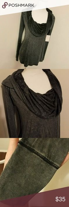 NWT Free People Black/grey slouch neck Top Super soft & comfy 94% Rayon 6% spandex Free People top! Brand New never worn. Free People Tops Blouses