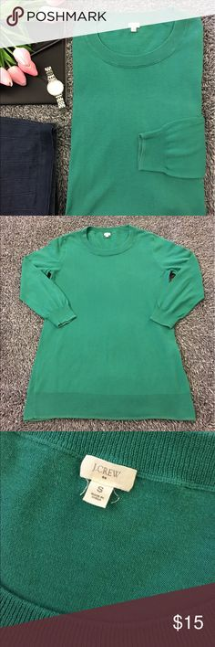 J. Crew lightweight sweater - Kelly green! Perfect weight for this time of year. I love this color and it is so versatile! Dress it up or down in style! Pre loved but still in good shape & SF. May have minor pilling but nothing real obvious. Lots of love left to offer. See pics for details/condition. Offsetting green trim at the hem & cuffs. Bust is 17.5 in. flat. Hips are 18. Length is 27.5. 3/4 sleeves at 20. Make this yours today! Have questions? Ask me! Offers/bundles welcomed but please…