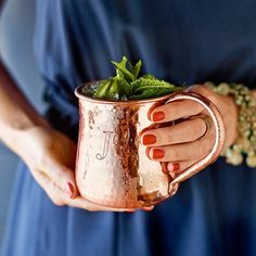 10 DECORATING TRENDS FOR FALL 2015 Copper and wood Combined with the rustic feel of raw wood, copper adds a sophisticated glow to autumnal decor. This fall, pair a copper lamp against a raw wooden tabletop or serve guests Moscow Mules in these classic copper mugs atop a reclaimed wood tray. Copper mug, Williams-Sonoma, $47.