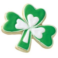 Wilton: example of decorated Shamrock Cookies