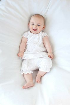 Baby Clothes made from merino wool and organic cotton Pharmacy Gifts, Girl Outfits, Summer Outfits, Short Girls, Baby Gifts, Organic Cotton, Flower Girl Dresses, Wool, Pink