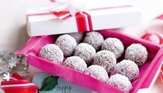 Choc-coconut Christmas balls - These small truffle-like treats are made from only 5 ingredients and make a great edible gift. Edible Christmas Gifts, Edible Gifts, Christmas Treats, Christmas Recipes, Coconut Truffles, Coconut Balls, Homemade Baileys, Homemade Chocolate, Christmas Truffles