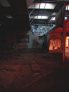 Hangar abandonné, Bordeaux, Francepar Louison