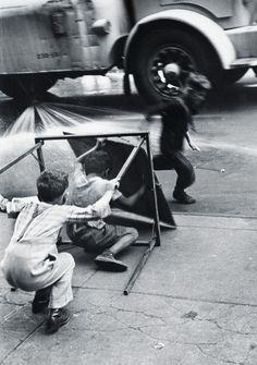 Helen Levitt. Untitled, NYC, 1940