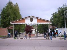 Aniversario de la Universidad Nacional San Cristóbal de Huamanga, fundada con la categoría de Real y Pontifica el 03 de julio de 1677 por don Cristóbal de Castilla, Obispo de la Diócesis de Huamanga.