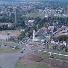 Lapangan Banteng viewed from Monas, Jakarta, Old Pictures, Old Photos, Indonesian Art, Unity In Diversity, Classic Building, East Indies, Old City, Jakarta, Time Travel