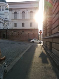 This shadow on the ground looks just like.. - Imgur
