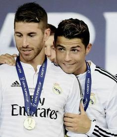 Cristiano Ronaldo and Sergio Ramos after winning the 2014 UEFA Super Cup Finals/CRİSTİANO Ronaldo and Sergio RAMOS