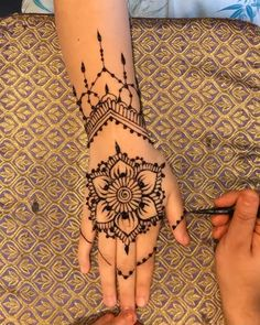 Henna design Henna design ,Merke How to do a henna design with jagua gel Related posts: # @ newmorningmar. Small Henna Designs, Henna Flower Designs, Henna Tattoo Designs Simple, Mehndi Designs For Beginners, Mehndi Art Designs, Mehndi Designs For Hands, Tribal Henna Designs, Arabic Henna Designs, Mehndi Simple