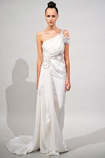 CoVeR yOuR FacE: FASHION COLLECTION: Marchesa RTW 2011