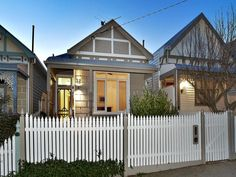 Edwardian Materials:     Corrugated Iron Structural Features:     Picket Fence Decorative Features:     Feature Lighting Layouts:     Single...
