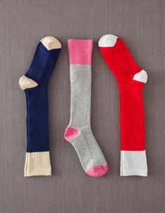 A must for L: 3 Pack Knee Socks