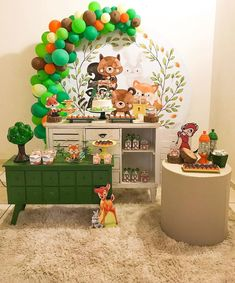 Encanto essa festa com o tema Bosque! 1st Birthday Party For Girls, Party Themes For Boys, Baby 1st Birthday, Baby Shower Themes, Baby Boy Shower, Baby Shower Decorations, Enchanted Forest Party, Woodland Party, Baby Decor