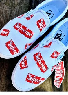 outfits with vans sneakers Tenis Vans, Vans Sneakers, Converse, Sneakers Style, Souliers Nike, Vans Shoes Fashion, Fashion Outfits, Supreme Shoes, Supreme Clothing