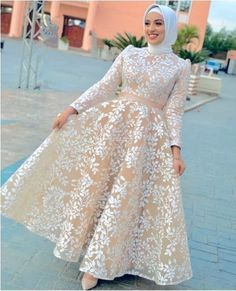 Puffy soiree dresses are rocking this season; Muslim Evening Dresses, Hijab Evening Dress, Hijab Dress Party, Lace Evening Gowns, Muslim Gown, Muslimah Wedding Dress, Muslim Wedding Dresses, Dress Wedding, Wedding Bride