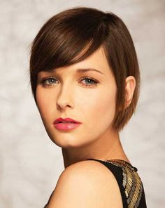 Hairstyles with Short Straight Hair