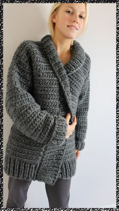 gilet au crochet n°10 Size 10mm crochet hook, rectangle for back, two rectangles for front, two more for sleeves. All double crochet stitches. Maybe FP / BP double crochet for collar edge, trim, and cuffs. Day or 2 project...hmmm