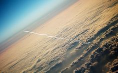 Aircraft Trail – HD Background Wallpaper
