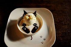 The cat IS the cream! LOL. Kitty cat ice cream (& chocolate cookies) Too cute! #Funny #Food_art #Dessert