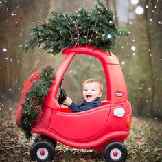 Baby& First Christmas Pictures - Mommyhooding - Baby christmas photos -