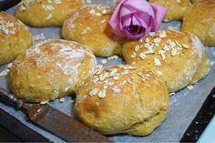 Nattjästa morotsfrallor med dinkel - Victorias provkök I Want To Eat, Scones, Hamburger, Brunch, Victoria, Bread, Baking, Breakfast, Food