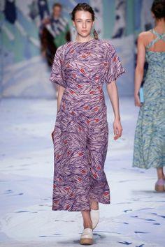 Alena Akhmadullina, Look #17 http://www.style.com/slideshows/fashion-shows/russia-fall-2015/alena-akhmadullina/collection/17 Alena Akhmadullina, Look #17