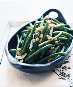 Garlicky Green Beans With Pine Nuts | RealSimple.com