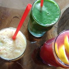 Easter Monday smoothie mine is the one on the left #apple #melon #ginger #orange #cleaneating #veganisation #veganweightloss #veganforlife #veganfoodshare #veganballerina #veganblogger #carbup #healthyvegan #healthyfood #rawvegan #smoothie