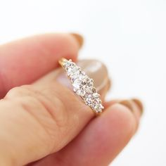 Gorgeous Vintage 5 stone diamond engagement ring in yellow gold! In L-O-V-E !
