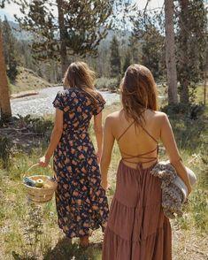 Boho Style Dresses - Bohemian fashion ideas, long dresses, hippie style Source by - Boho Style Dresses, Boho Outfits, Summer Outfits, Fashion Dresses, Cute Outfits, Bohemian Summer Dresses, Hippie Dresses, Hippie Style, Bohemian Style