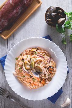 Un primo piatto di #pesce classico e intramontabile che racchiude tutto il gusto dei frutti di mare: #risotto alla pescatora! #Giallozafferano #recipe #ricetta #fish