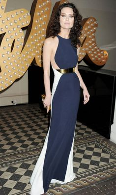 "#LFW Shalom Harlow in a Stella McCartney Fall / Winter 2012-13 Evening Collection  navy-blue and white colorblock sleeveless belted ""Saskia"" dress. Photo: Getty Images http://www.vogue.it/en/shows/show/collections-fall-winter-2012-13/stella-mccartney-evening-collection"