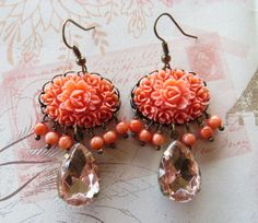 Vintage carved coral cabochon earrings Made in di Sofiasbijoux, €32.00