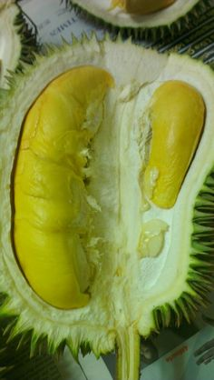 durian... the smell is terrible but the taste are amazinggg!