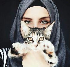 gambar cat, hijab, and eyes Hijabi Girl, Girl Hijab, Muslim Girls, Muslim Women, Beautiful Hijab, Beautiful Eyes, Hijab Tutorial, Stylish Girl, Stylish Dpz