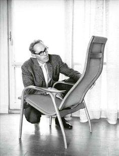 Yngve Ekström with Lamino chair