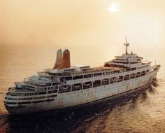 Not your typical military vessel SS Canberra showing some South Atlantic rust after deployment to the Falkland Islands as a troop ship. P&o Cruises, British Overseas Territories, Falklands War, Naval History, Royal Marines, Royal Navy, Archipelago, Battleship, Troops