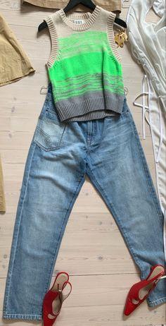 Mom Jeans, Pants, Fashion, Trouser Pants, Moda, Fashion Styles, Women's Pants, Women Pants, Fashion Illustrations